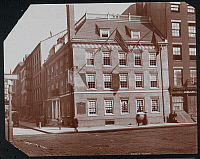 0163913 © Granger - Historical Picture ArchiveNEW YORK: FRAUNCES TAVERN.   Taken from opposite corner of Fraunces Tavern at 101 Broad Street, New York City. Photograph, 1908.