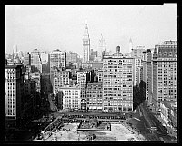 0164027 © Granger - Historical Picture ArchiveNEW YORK: UNION SQUARE.   New York City view, looking north from the southwest corner of 14th Street and Broadway, 1929.
