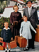 0170105 © Granger - Historical Picture ArchiveSAMSONITE AD, 1956.   An American family ready for travel, in an advertisement for Samsonite luggage and Greyhound bus travel, 1956.