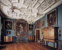 0284327 © Granger - Historical Picture ArchiveART & ARCHITECTURE.   Frederick IV's hall with contemporary 16th century furnishings, Frederiksborg Castle, Hillerod, Denmark. Full Credit: DEA / A. DAGLI ORTI / Granger, NYC -- All Rights Reserved.