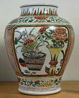 0289407 © Granger - Historical Picture ArchiveASIAN ART.   Jar decorated with flowers and leaves, famille verte (green family) ceramic, China. Chinese Civilisation, 17th century. Full Credit: DEA / G. DAGLI ORTI / Granger, NYC -- All Rights Reserved.