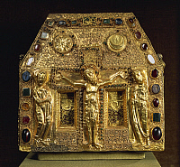0292428 © Granger - Historical Picture ArchiveDECORATIVE ARTS.   Goldsmith's art, 9th century. Gold filigree reliquary of Pepin, depicting the Crucifixion. Full Credit: DEA / A. DAGLI ORTI / Granger, NYC -- All rights reserved