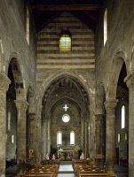 0330682 © Granger - Historical Picture ArchiveART & ARCHITECTURE.   Interior of San Salvatore dei Fieschi Basilica, Cogorno, Liguria. Italy, 13th century. Full credit: De Agostini / A. De Gregorio / Granger, NYC -- All rights