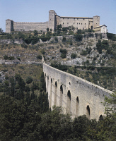 0333012 © Granger - Historical Picture ArchiveART & ARCHITECTURE.   The Albornoz Fortress, built between 1359 and 1370, by Matteo Gattapone da Gubbio commissioned by Cardinal Albornoz, and the Bridge of the Towers, an ancient Roman aqueduct, Spoleto, Umbria. Italy, 14th century. Full credit: De Agostini / A. Dagli Orti / Granger, NYC -- All rig
