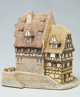 0336437 © Granger - Historical Picture ArchiveDECORATIVE ARTS.   Nuernberger Buergerhaus, miniature, ceramic, Lilliput Lane manufacture, Carlisle, Cumbria. England, 20th century. Full credit: De Agostini / G. Cigolini / Granger, NYC -- All Rights Reserved.