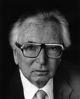 0164630 © Granger - Historical Picture ArchiveVIKTOR E. FRANKL (1905-1997).   Psychiatrist Vienna Austria 1983. Photographed by Horst Tappe.