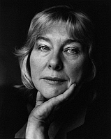 0165442 © Granger - Historical Picture ArchiveFAY WELDON (1931-).   Writer London United Kingdom 1986. Photographed by Horst Tappe.
