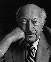 0165448 © Granger - Historical Picture ArchiveSIMON WIESENTHAL (1908-2005).   Austrian engineer and Nazi hunter. Photographed in Vienna, Austria, by Horst Tappe, 1983.