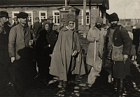 0251268 © Granger - Historical Picture ArchiveNARVA, ESTONIA.   Prisoners return from being held captive in Siberia. A. Frankl.