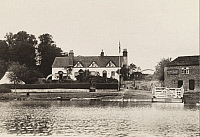 0252648 © Granger - Historical Picture ArchiveFLEET INN, AVON RIVER, NEAR TEWKESBURY, ENGLAND.   A view of the Fleet Inn and its ferry from across the Avon River. R. J. Evans.