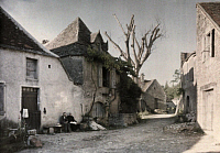 0254700 © Granger - Historical Picture ArchiveFRAYSSINET, MIDI-PYRENEES, FRANCE.   Old houses line the streets in this town in the Pyrenees. Gervais Courtellemont.