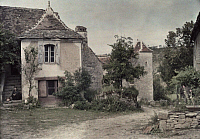 0254701 © Granger - Historical Picture ArchiveFRAYSSINET, MIDI-PYRENEES, FRANCE.   Old houses in the village of Frayssinet. Gervais Courtellemont.