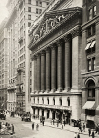 0257615 © Granger - Historical Picture ArchiveNEW YORK CITY, NEW YORK, USA.   A view of the main entrance to the New York Stock Exchange building. Paul Thompson.