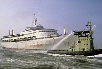 0149932 © Granger - Historical Picture ArchiveLE PAQUEBOT CANBERRA.   English liner Canberra used from 1961, here in 1982 (used to transport english troops into the war zone of the Falkland Islands). Full credit: AGIP - Rue des Archives / Granger, NYC -- All rights reserved.