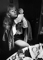 0152946 © Granger - Historical Picture ArchiveMARIANNE FAITHFULL.   Marianne Faithfull redoing her make up on set of film Girl on a Motorcycle october 1967. Full credit: AGIP - Rue des Archives / Granger, NYC -- All rights res