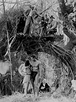 0168133 © Granger - Historical Picture ArchiveJOHNNY WEISSMULLER.   Johnny Weissmuller et Maureen O'Sullivan on set of film Tarzan the Ape Man by WS Van Dyke in 1932. Full credit: CSFF - Rue des Archives / Granger, NYC -- All Rights Reserved.