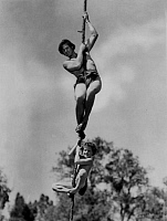 0168136 © Granger - Historical Picture ArchiveTARZAN TROUVE UN FILS.   Tarzan Finds a Son by RichardThorpe with Johnny Weissmuller in 1939. Full credit: CSFF - Rue des Archives / Granger, NYC -- All rights reserved.