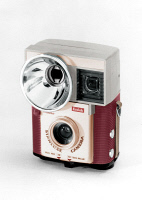 0112923 © Granger - Historical Picture ArchiveKODAK BROWNIE CAMERA.   A Kodak Starluxe Brownie camera with built-in flash, 1957.