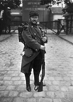 0133508 © Granger - Historical Picture ArchiveWORLD WAR I: FRENCH SOLDIER.   French infantryman with a bayonet. Photographed during World War I, 1914.