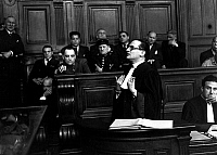 0134130 © Granger - Historical Picture ArchivePETIOT TRIAL.   Trial of doctor Marcel Petiot (serial killer) march 1946 : Marcel Petiot in the dock, his lawyer Rene Floriot. Full credit: AGIP - Rue des Archives / Granger, NYC -- All Rights Reserved.