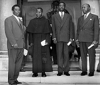 0134146 © Granger - Historical Picture ArchiveAFRIQUE FRANCE.   Four african statesmen David Decko (Center Africa), abbot Fulbert Youlou (Congo), Francois Tombalbaye (Chad), Leon M'Ba (Gabon), after they met french president DeGaulle at Elysee palace to deal their state's independence july 04, 1960. Full credit: AGIP - Rue des Archives / Granger, NYC -- All Rights Reserved.