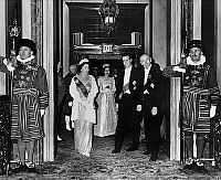 0136083 © Granger - Historical Picture ArchiveBAUDOUIN 1ER AND ELISABETH II.   king Baudouin 1st of Belgium and his wife queen Fabiola (born Dona Fabiola of Mora y Aragon) with queen Elizabeth II of England during their visit in England in 1963. Full credit: AGIP - Rue des Archives / Granger, NYC -- All Rights Reserved.