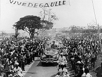 0137793 © Granger - Historical Picture ArchiveCHARLES DE GAULLE A BRAZZAVILLE IN 1958.   Charles de Gaulle (1890-1970), the president of the french council is acclaim by the crowd during his arrival in Brazzaville, on august 24th, 1958. Full credit: AGIP - Rue des Archives / Granger, NYC -- All Rights Reserved.