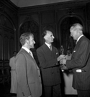 0139616 © Granger - Historical Picture ArchiveDAVID BRUCE AND MONSIEUR SICE.   David Bruce (r) american ambassador in France giving Academy Award for best foreign movie to Mr Sice producer of film Monsieur Vincent under look of Pierre Fresnay (main actor of the film) 1949. Full credit: AGIP - Rue des Archives / Granger, NYC -- All rights reserv