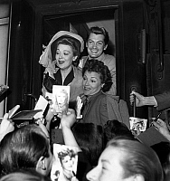 0140615 © Granger - Historical Picture ArchiveEDWIGE FEUILLERE.   Actors Annabella, Edwige Feuillere and Jean Marais arriving at Brussels film festival june 13, 1947. Full credit: AGIP - Rue des Archives / Granger, NYC -- All Rights Reserved.