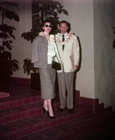 0142030 © Granger - Historical Picture ArchiveFRANCK SINATRA AND AVA GARDNER.   Frank Sinatra and his wife Ava Gardner in Hawaii in 1953. Full credit: AGIP - Rue des Archives / Granger, NYC -- All rights reserved.