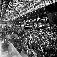 0144036 © Granger - Historical Picture ArchiveGREVE OF CHEMINS OF FER 1947.   Strike of french railways in France june 13, 1947 : here railway workers during a meeting in a station in Paris. Full credit: AGIP - Rue des Archives / Granger, NYC -- All rights reserved.