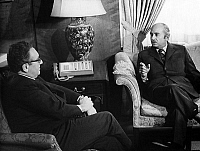0144809 © Granger - Historical Picture ArchiveHENRY KISSINGER AND ISMAIL FAHMI.   American state secretary Henry Kissinger october 10, 1974 meeting egyptian Foreing Minister Ismail Fahmi in Washington october 30, 1974 for an eventual negotiated peace in the middle East. Full credit: AGIP - Rue des Archives / Granger, NYC -- All rights reserved.