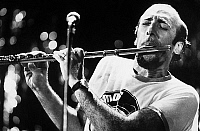 0144832 © Granger - Historical Picture ArchiveHERBIE MANN.   Herbie Mann play (transverse) flute on stage , c.1971. Full credit: AGIP - Rue des Archives / Granger, NYC -- All Rights Reserved.