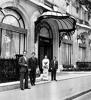 0144971 © Granger - Historical Picture ArchiveHOTEL PLAZA ATHENEE.   Entrance of hotel Plaza Athenee in Paris, here asian clients going out for a walk july 15, 1963. Full credit: AGIP - Rue des Archives / Granger, NYC -- All Rights Reserved.