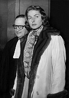 0145241 © Granger - Historical Picture ArchiveINGRID BERGMAN.   Ingrid Bergman arriving at law courts with lawyer Rene Floriot for right for custody of her 3 children, january 19, 1959 in Paris. Full credit: AGIP - Rue des Archives / Granger, NYC -- All rights reserved.