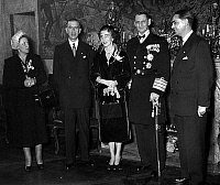 0145267 © Granger - Historical Picture ArchiveINGRID AND FREDERIC DU DANEMARK.   Danish sovereigns in Paris, here at the hotel de Lauzun on november 29, 1950 : Mrs Pierre de Gaulle, Pierre de Gaulle, queen Ingrid of Denmark, king Frederic IX of Denmark. Full credit: AGIP - Rue des Archives / Granger, NYC -- All rights reserved.