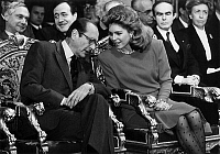 0145955 © Granger - Historical Picture ArchiveJACQUES CHIRAC AND THE REINE NOOR OF JORDANIE.   Mayor of Paris Jacques Chirac and queen Noor of Jordan at Paris town hall on january 13, 1987. 2nd row is Jean Tiberi. Full credit: AGIP - Rue des Archives / Granger, NYC -- All rights reserv