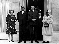 0148188 © Granger - Historical Picture ArchiveJOSEPH DESIRE MOBUTU AND THE GENERAL DE GAULLE.   General Joseph Desire Mobtu, president of Congo Kinshasa and french president Charles de Gaulle with their wifes and Maurice Couve de Murville, first minister (in the back) at the Elysee palace (Paris) on march 27, 1969. Full credit: AGIP - Rue des Archives / Granger, NYC -- All rights reserved.