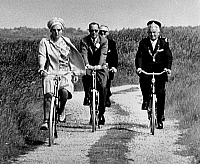 0148374 © Granger - Historical Picture ArchiveJULIANA OF PAYS BAS.   Queen Juliana and Prince Bernhard on vacation in the Frisian Islands Vileland (north of Holland) out on a bicycle ride in the Bosplaat Nature Reserve July 11, 1967. Full credit: AGIP - Rue des Archives / Granger, NYC -- All Rights Reserved.