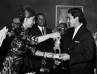 0148928 © Granger - Historical Picture ArchiveLA DUCHESSE D'ALBE.   Maria del Rosari Cayetana FitzJames-Stuart, 18th Duchess of Alba de Tormes giving trophy for best toreador 1963 to Paco Camino on may 17, 1964 in Mayte club in Madrid. Full credit: AGIP - Rue des Archives / Granger, NYC -- All Rights Reserved.