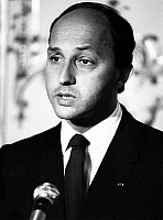 0149384 © Granger - Historical Picture ArchiveLAURENT FABIUS.   french prime minister Laurent Fabius during press conference about South Africa july 24, 1985. Full credit: AGIP - Rue des Archives / Granger, NYC -- All rights r