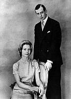 0149635 © Granger - Historical Picture ArchiveLE DUC EDOUARD OF KENT WITH SA FIANCEE.   Duke Edward of Kent and his fiancee Kathearine Worsley may 30, 1961. Full credit: AGIP - Rue des Archives / Granger, NYC -- All rights res