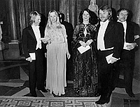 0149789 © Granger - Historical Picture ArchiveLE GROUPE ABBA.   Abba group in Stockholm in 1979 : l-r : Bjorn Ulvaeus, Agnetha Faltskog, Anni Frid Lyngstad, Benny Anderson and manager Stickan Anderson during a dinner in royal palace. Full credit: AGIP - Rue des Archives / Granger, NYC -- All Rights Reserved.