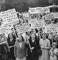 0152042 © Granger - Historical Picture ArchiveMANIFESTATION OF FEMMES.   Demonstration of women gainst expensive life in Paris on september 18, 1947. Full credit: AGIP - Rue des Archives / Granger, NYC -- All rights reserved.