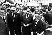 0152139 © Granger - Historical Picture ArchiveMANIFESTATIONS CONTRE THE DECLARATIONS OF THE PEN IN 1987.   Pierre Joxe, Pierre Mauroy and Laurent Fabius are interviewed by the journalists during the demonstration to protest against the declarations of Jean-MarieLePen in front of the large jury of RTL Le Monde, where he said that gas chambers were a point of detail of the history of the Second World War