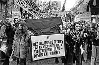 0152454 © Granger - Historical Picture ArchiveMARCHE INTERNATIONALE OF FEMMES.   International march of women in Paris on november 20, 1971 for legalization of abortion. Full credit: AGIP - Rue des Archives / Granger, NYC -- All Rights Reserved.