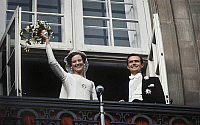 0152831 © Granger - Historical Picture ArchiveMARIAGE OF MARGUERITE OF DANEMARK AND HENRIK.   Wedding of Princess Margrethe of Denmark (future queen Margrethe II) and prince Henrik (Henri de Laborde de Monpezat) june 10, 1967 here at Fredensborg castle. Full credit: AGIP - Rue des Archives / Granger, NYC -- All rights reserved.