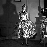 0155269 © Granger - Historical Picture ArchiveMODE FATH.   Presentation on february 29, 1956 of fashion by Jacques Fath for spring summer 1956 : dress. Full credit: AGIP - Rue des Archives / Granger, NYC -- All rights reserved