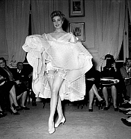 0155278 © Granger - Historical Picture ArchiveMODE FATH.   Fashion accessories by Jacques Fath : stockings presenting by model Stella, january 27, 1955. Full credit: AGIP - Rue des Archives / Granger, NYC -- All rights reserve