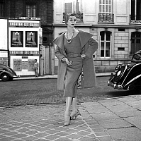 0155282 © Granger - Historical Picture ArchiveMODE FATH.   Presentation on august 18, 1954 of fahsion by Jacques Fath for winter 1954-1955 : coat and dresss. Full credit: AGIP - Rue des Archives / Granger, NYC -- All rights re